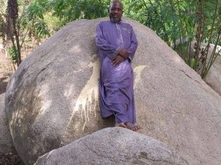 TRADITIONAL HEALER WITH POWERFUL SPELL